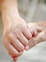 Atención a las necesidades psicosociales y comunicativas del enfermo avanzado y sus familiares.