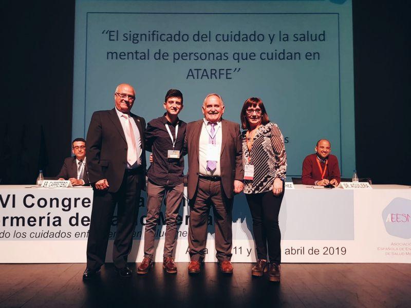 Un enfermero residente, premiado por una investigación sobre el papel de las personas cuidadoras de pacientes de salud mental